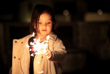 bokeh-child-firework-792692